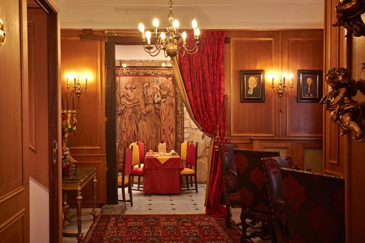 Paris - Grand Hotel Dechampaigne - inside