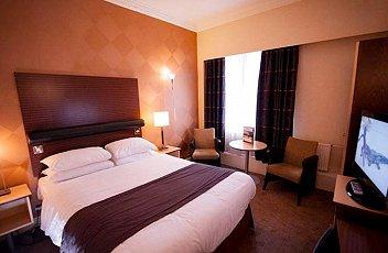 Cardiff - The Angel Hotel - room
